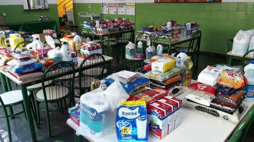 Insumos para doação de cestas básicas pelo CECOIA, Congregação de Santa Cruz, durante pandemia de COVID-19